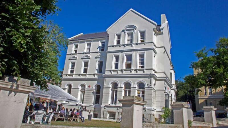 Embassy School of English UK