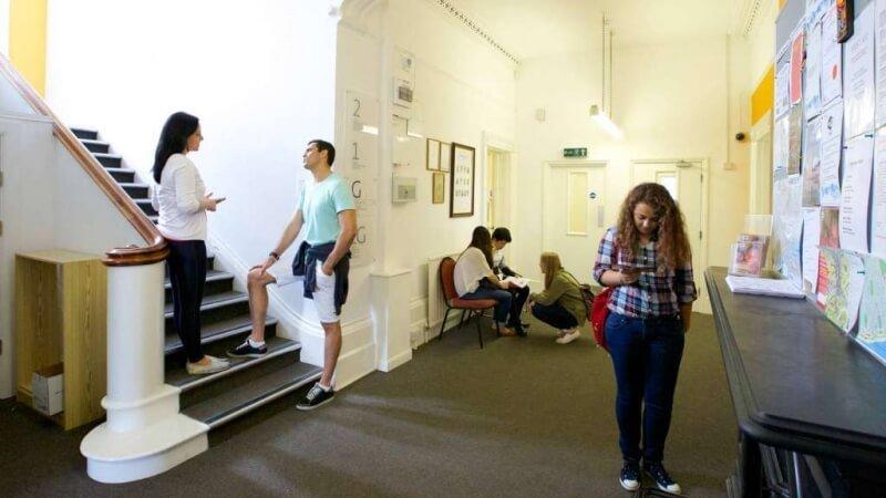 Embassy School of English UK (2)